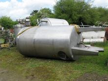 STAINLESS STEEL 5000 L ISOLATED