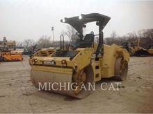 2011 CATERPILLAR CB64
