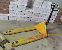 Used PALLET LIFTER i