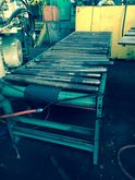 ROACH POWERED ROLLER CONVEYOR
