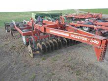 Hesston 2540