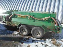 2015 Lamar 1000 Gallon Tank Tra