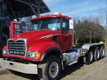 2003 Mack GRANITE CV713