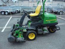 2012 John Deere 2500b Lawn trac
