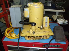 Enerpac 10,000 PSI Hydraulic Pu