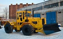 Bulldozer wheel with front angl