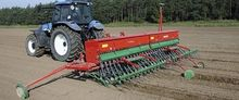 Mounted mechanical seed drill M