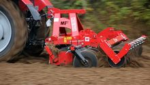 Arable-sowing disc cultivator U