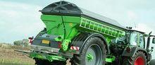 Trailed fertilizer spreader RCW