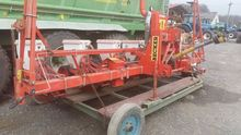 2000 Becker Precision Seeder