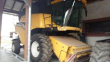 2004 New Holland cr 980 Combine