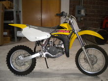 2000 SUZ RM80