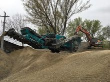 2016 Powerscreen trackpactor 26