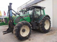 2010 Valtra N141H Farm Tractor