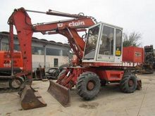 1987 Poclain 81 P Wheel Excavat