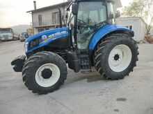 2016 New Holland T5 95 Tractor