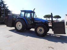 2005 New Holland TM125 Farm Tra