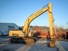 2005 NEW HOLLAND E215