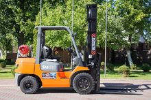 Gas Forklift TOYOTA 02-7FGF30