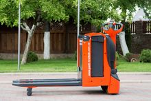Electric truck LINDE T 16L