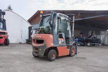 Gas Forklift / y Nissan UD02A25