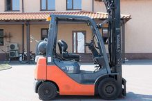 Gas Forklift TOYOTA 02-8FGF18
