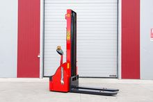 Electric Stacker W12 / 36