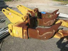 Caterpillar D10 Multi-Shank Rip