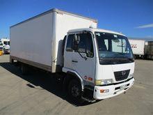 08/2008 UD Nissan MKB37A 4x2 Pa