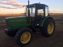John Deere 2800 Tractor