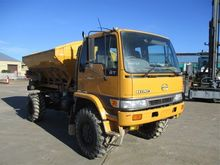 04/1998 Hino GT1J Multi Spreade