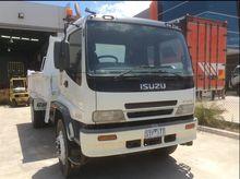 Used 2004 ISUZU FVR9
