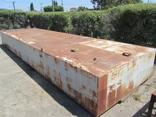 Steel pontoon with lifting poin