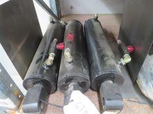 23 x hydraulic rams - assorted