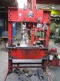 Servex hydraulic press,