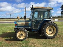 1993 Iseki TA550F Cab Tractor