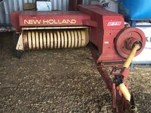 New Holland 275 Baler