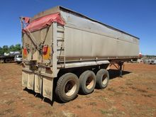 32ft x 6` Tri Axle Tip over axl