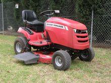 MASSEY FERGUSON 2520 Lawn Mower