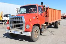 1976 Ford 700 4x2 Tipper with G
