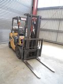 2003 CAT GPE257N Container Fork