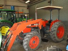 Kubota M8030DT Agricultural Tra