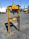 Servex Hydraulic Press