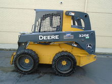 2013 John Deere 326E