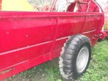 Wagon manure spreader without n