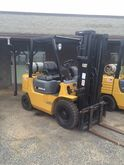 Used 2000 Cat GP25K