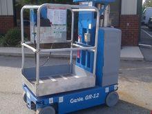 2009 Genie GR12 Diesel Scissor