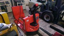 Used 2006 Raymond 10