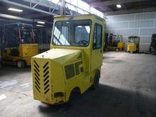 A&G 470-E Gasoline Tow Tractors