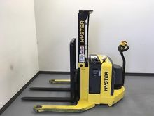 Used 2013 Hyster W40